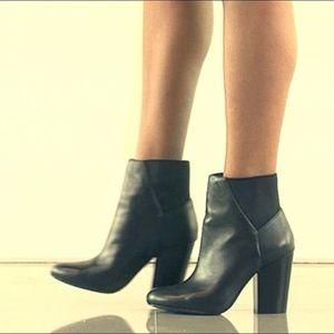 BCBG Lillyan Black Boots Block Heel